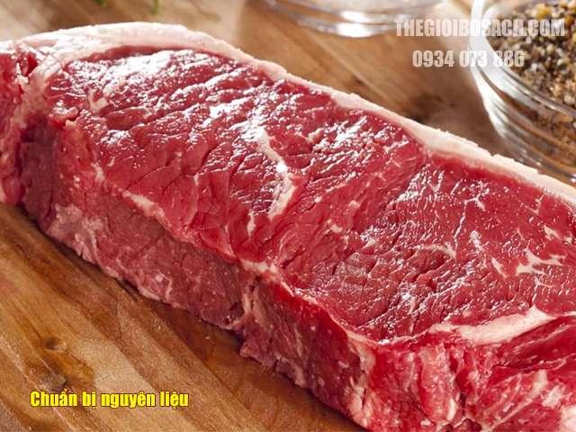 Chuẩn bị nguyên liệu làm bò bít tết