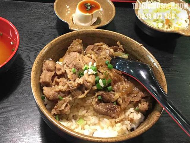 Cơm thịt bò kiểu Nhật