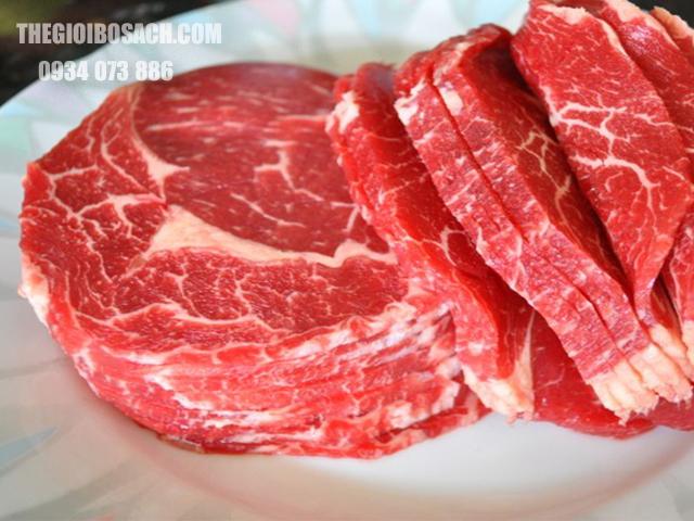 Giá thành hai loại thịt đều ngang nhau