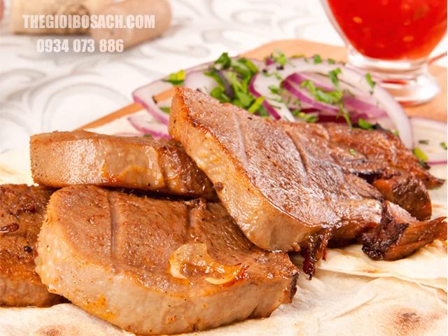 Món thịt bò áp chảo thơm ngon